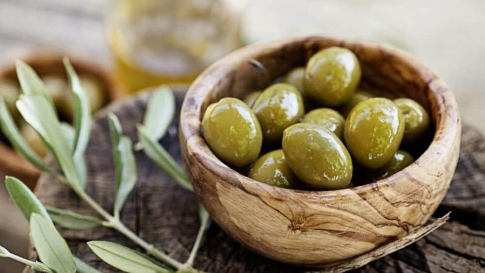L'olive, un fruit oléagineux bon pour la santé.